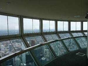 Floor to ceiling windows in sky pod picture of cn tower for How many floors in the cn tower