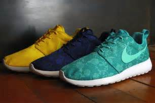 nike roshe run design sole collector presents quot everything you need to about nike 39 s roshe run quot everyguyed