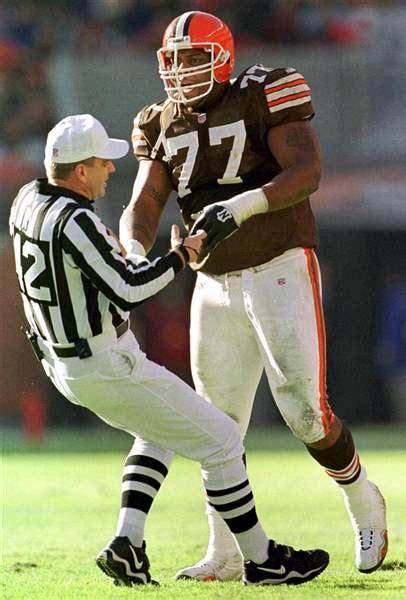orlando brown massive tackle   hit  eye