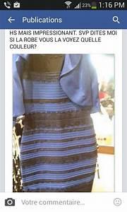 tout or monde est avec cette robe qui bizzarement change With la robe qui change de couleur