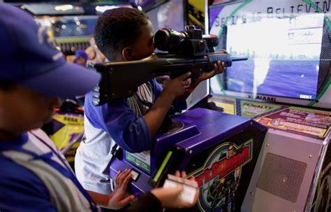 playing violent video games increases aggression study