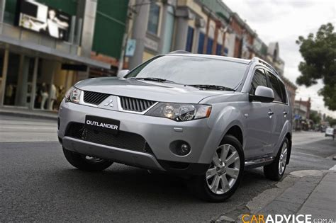 nissan outlander 2008 2008 mitsubishi outlander photos 1 of 8