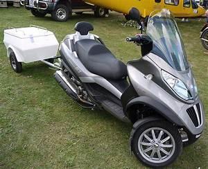 Piaggio Mp3 400 : file piaggio mp3 lt 400 3 wheel scooter trailer flickr mick wikimedia commons ~ Medecine-chirurgie-esthetiques.com Avis de Voitures
