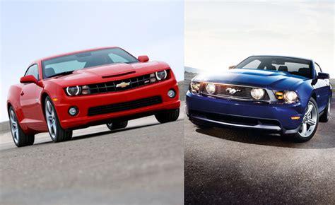 Camaro Ss Vs Mustang Gt by 2012 Ford Mustang Gt Vs 2012 Chevy Camaro Ss Car Reviews