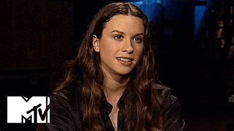 Alanis Morissette Throwback MTV Interview From 1995 | MTV ...