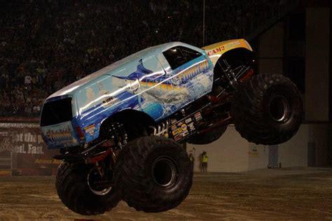 monster truck jam florida hooked monster truck photos orlando monster jam january