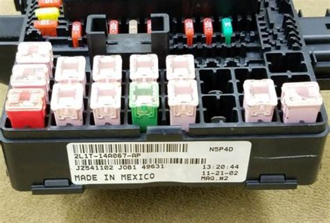 06 Expedition Fuse Box by 03 06 Navigator Expedition Fuse Box Power Distribution