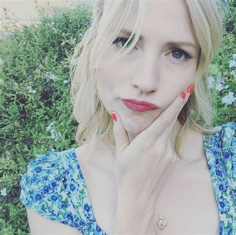 pictures  american actress beth riesgraf peanut