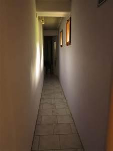 Meuble Couloir étroit : ides de papier peint pour couloir etroit galerie dimages ~ Teatrodelosmanantiales.com Idées de Décoration