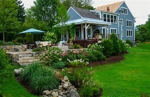 Country Farm House - Farmhouse - Landscape - boston - by a