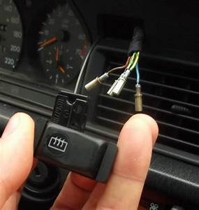 W201 Rear Window Heater Switch Wiring - Plug Positions