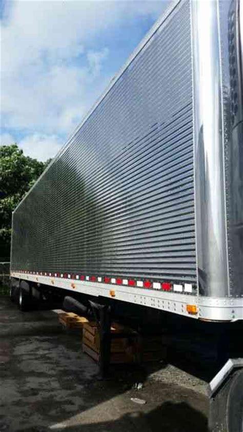 great dane  sleeper semi trucks