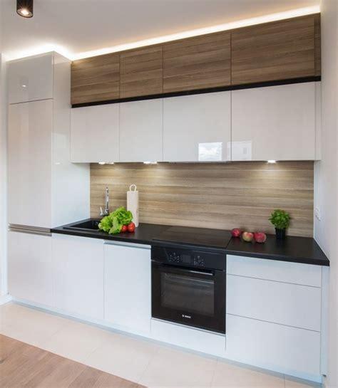 cuisine blanche et plan de travail noir plan de travail cuisine 50 idées de matériaux et couleurs