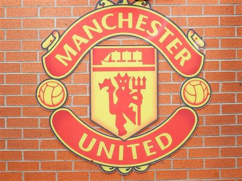 Manchester United F.C. Smash Facebook Rankings With 65 ...