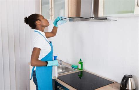 comment bien nettoyer sa cuisine comment nettoyer sa hotte de cuisine interservices