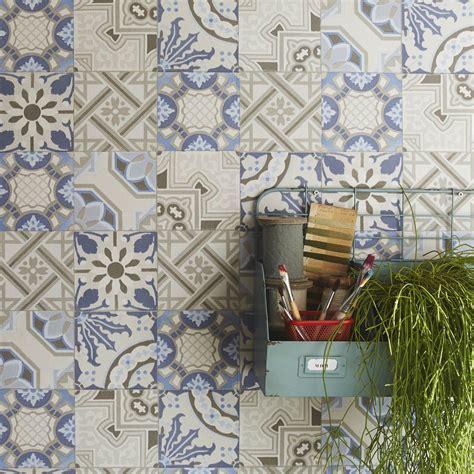 tapisserie cuisine leroy merlin papier peint intissé patch de mosaique bleu leroy merlin
