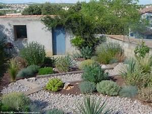 jardins et terrasses amenagement paysager jardin sec With amenagement petit jardin mediterraneen 4 jardins mediterraneens mediterraneen jardin other