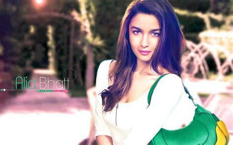 alia bhatt with green purse hd desktop wallpaper