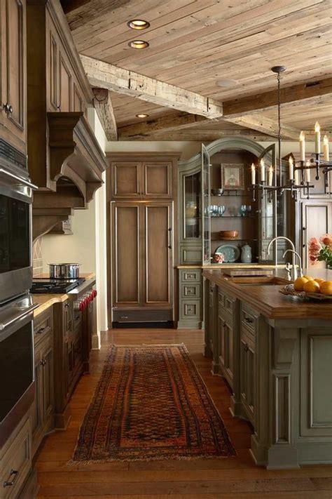 cuisine moderne blanche et bois cuisine ancienne pour un intérieur convivial et chaleureux