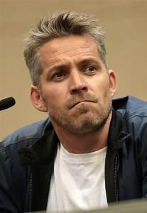 Sean Maguire - Wikipedia