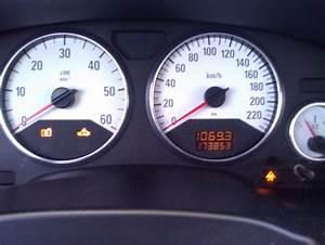 Voyant Esp Allumé : voyants esp electronic du moteur et refroidissement du moteur allumer opel zafira ~ Gottalentnigeria.com Avis de Voitures