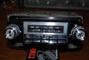 Delco Radio With Aux  Input Added - The 1947