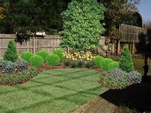 Fence Line Landscaping Ideas Back Yard