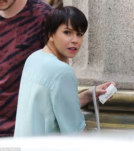 jessica actress hollyoaks hollyoaks actress jessica fox shows off new pixie crop as
