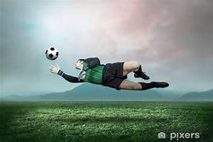Papier Peint Action : papier peint gardien avec un ballon dans l 39 action l ~ Melissatoandfro.com Idées de Décoration