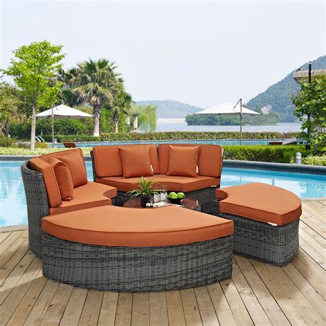 Summon Circular Outdoor Patio Sunbrella® Daybed In Canvas