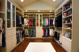 Ideen Begehbarer Kleiderschrank : ankleidezimmer ideen planen sie einen begehbaren kleiderschrank ~ Markanthonyermac.com Haus und Dekorationen