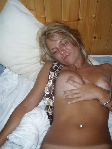 Swedish ex couple on vacation. Hot blonde exgirlfriends. (6) - Expic