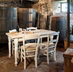 Tavolo da cucina allungabile in legno gambe tornite shabby