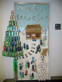 christmas door decorating idea school stuff pinterest