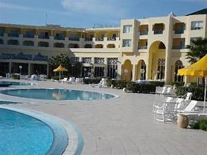 pool area photo de ramada plaza tunis gammarth With carthage thalasso gammarth piscine prix