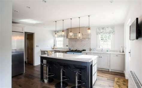 country contemporary kitchens a modern country kitchen bespoke kitchens burlanes 2694
