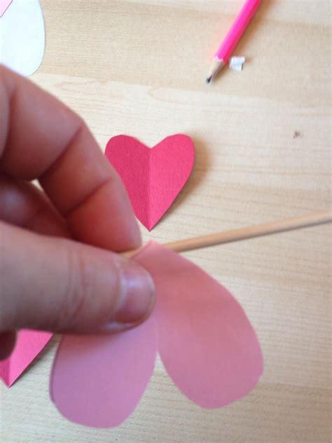fiori con carta come realizzare fiori con la carta non sprecare