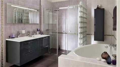 mur en verre pour salle de bain choisir un style de renovation et decoration