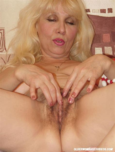 Amateur Granny Spreads Hairy Pussy 2861 Page 5
