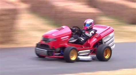 Boats Net Honda Mower by The World S Fastest Lawn Mower Does The Goodwood