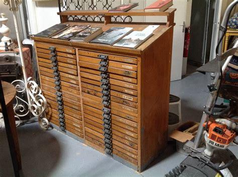 meuble et canapé com tres beau meuble d 39 imprimerie puces privées