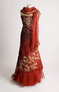 18 different types of indian wedding dresses for indian for Indian fusion wedding dress
