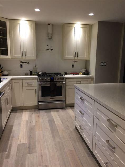kitchen  milky white shaker cabinet frigidaire