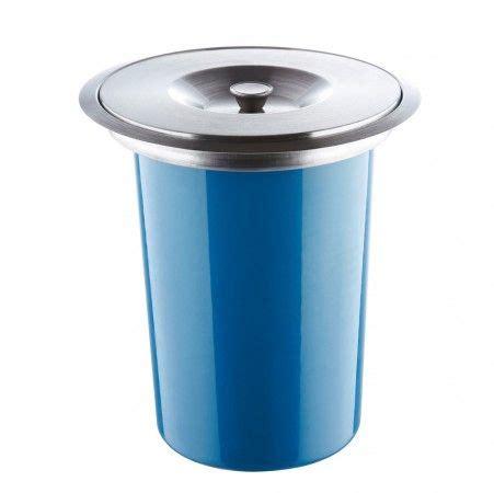 poubelle cuisine integrable 17 meilleures idées à propos de poubelle encastrable sur