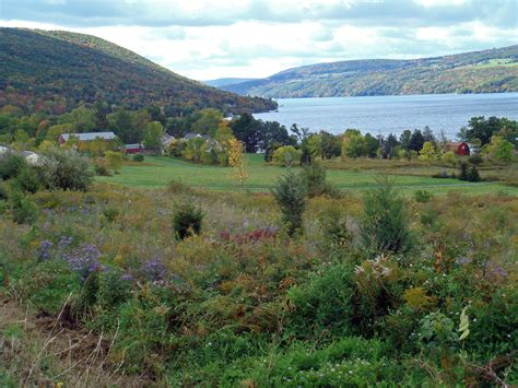 File:Canandaigua Lake scenic.jpg - Wikimedia Commons