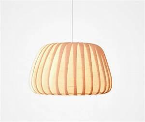 Pendelleuchte Aus Holz : moderne pendelleuchte aus holz tr19 von tom rossau ~ Lizthompson.info Haus und Dekorationen
