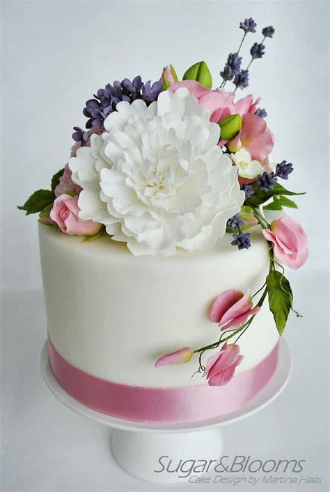 mini wedding cake  sugar flowers  pink  lavender