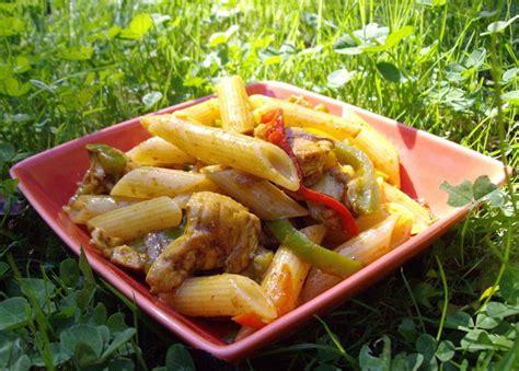 salade de pates poulet salade de p 226 tes poulet poivrons avocat curry recette