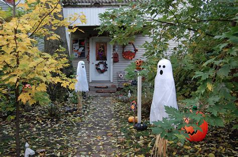 outdoor halloween home decor pictures photos and images
