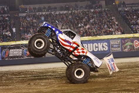how many monster trucks are there in monster jam i am boymom advance auto parts monster jam march 8th 9th